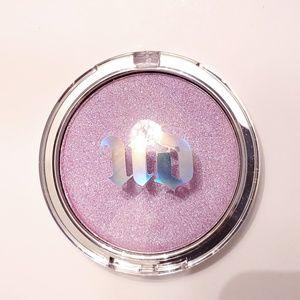 Urban Decay Disco Queen Holographic Highlight